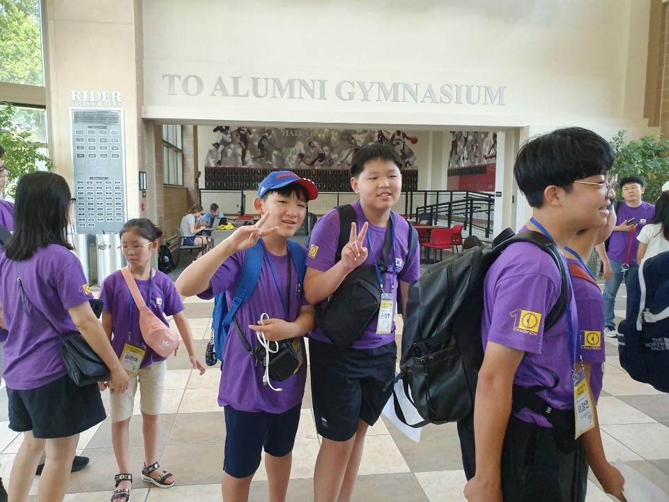 세계학생창의력올림피아드 2019 한국대표로 대회참가중인 소플 소프트웨어플러스 넥스트코딩 회원들 07.jpg
