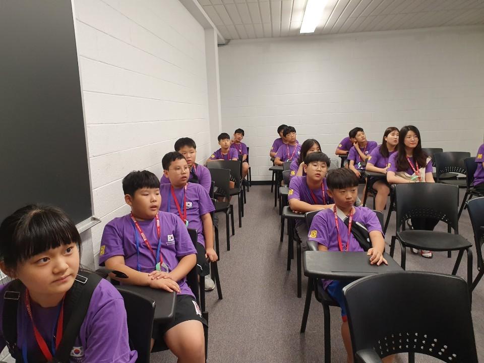세계학생창의력올림피아드 2019 한국대표로 대회참가중인 소플 소프트웨어플러스 넥스트코딩 회원들 08.jpg